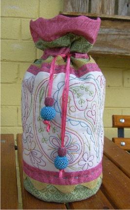 Paisley bag scallop border